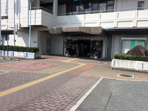 神戸市西区の区役所入り口付近